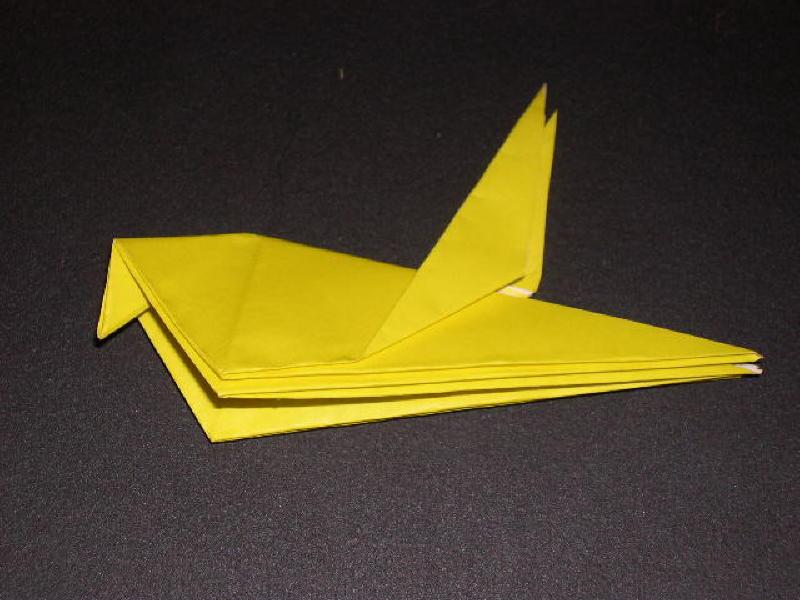 Origami  Bird  - Origami Robin - Step 18